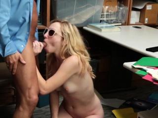 Taking hot ungentlemanly Zoe Parker loves big popular dicks