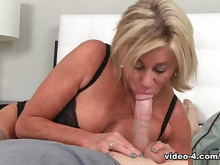 Step Daughter Overdoses Viagra : Payton Fortress - Over40Handjobs