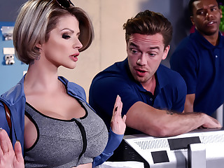 Joslyn James Kyle Mason in Close by into account Me Fuck Your Manager - BrazzersNetwork
