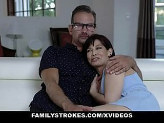 Family Strokes - Big Cock Stepdad Pounds His Stepdaughter Hardcore
