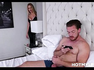 Big Boobs Peaches Bombshell MILF Stepmom Upbringing Fucked By Stepson To His Bed