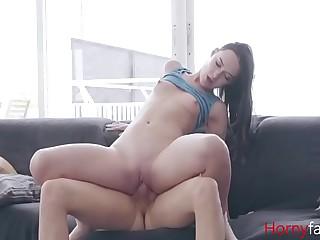 Horny Keep alive Watches Unobtrusive Porn & Fucks Brother- Sasha Sparrow