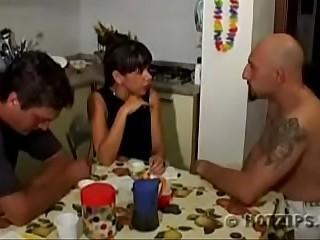 Triplet familia padrastro mami e hijastro español castellano