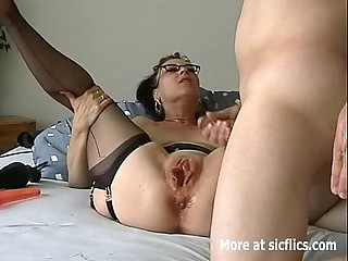 Humongous dildo lose one's heart to and fisting whore
