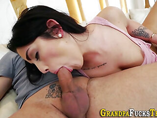 Teen gives head all over daddy